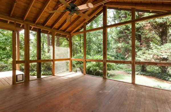 How To Clean A Screened Porch The Diy Bungalow