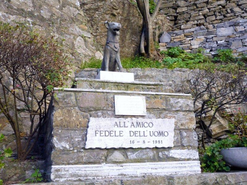 statua per la fedeltà del cane