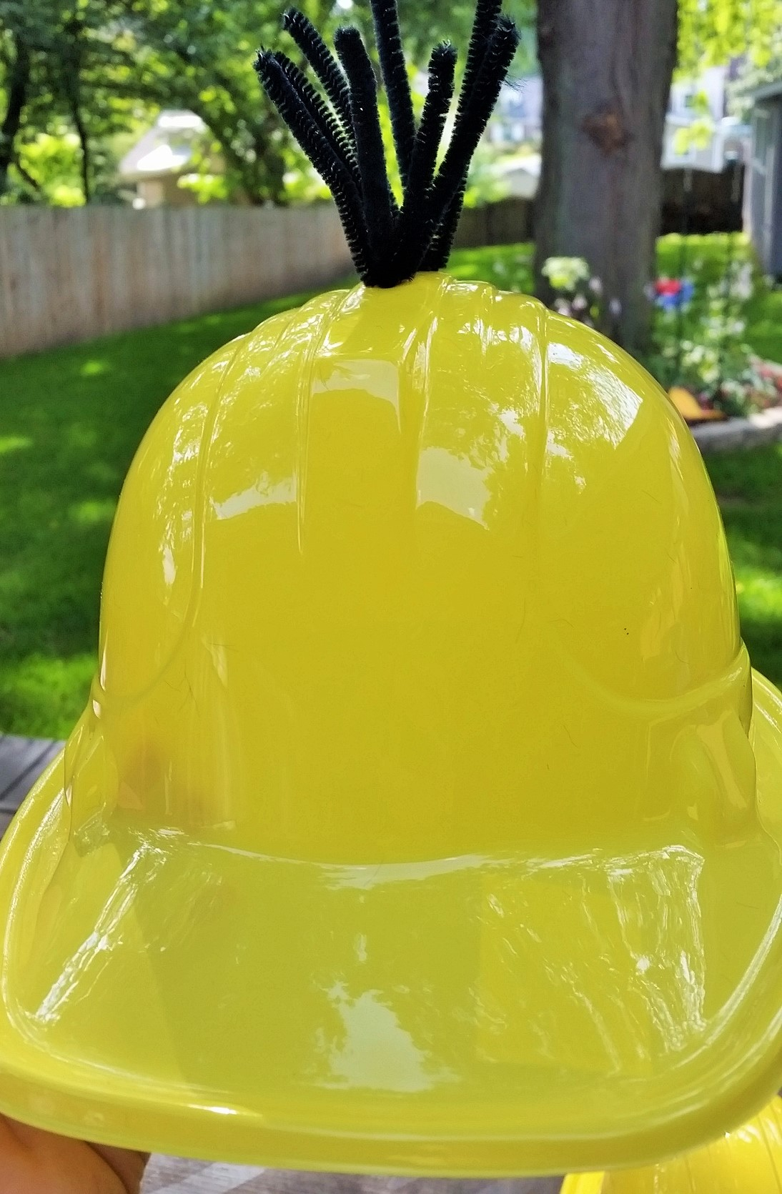 """9315818b Make Your Own """"Minion"""" Party Hats! 