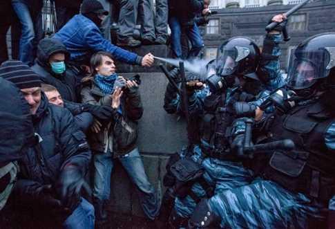 img_pod_ukraine-police-clashes-pod-2511_44562