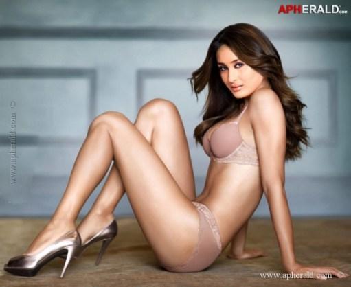 kareena-Kapoor-Hot-pics