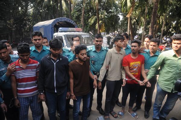 চট্টগ্রামে স্কুলছাত্র খুন, প্রত্যক্ষ জড়িত পাঁচজনকে গ্রেফতার