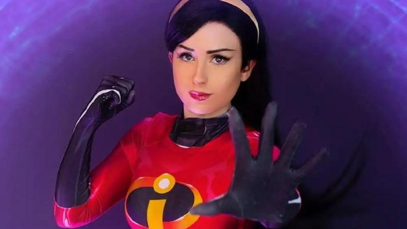 Il cosplay di Violetta Parr degli Incredibili