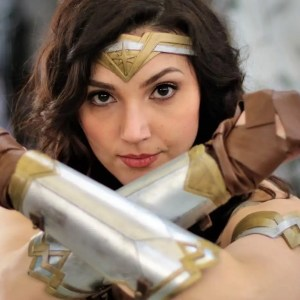 La cosplayer Ale Bry è Gal Gadot, la celebre Wonder Woman del cinema!