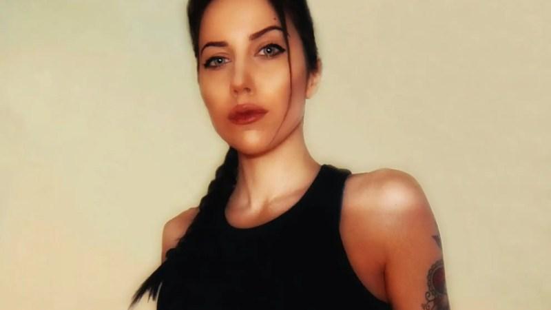 La cosplayer Roberta Rory Pattaro è Lara Croft in versione Angelina Jolie!