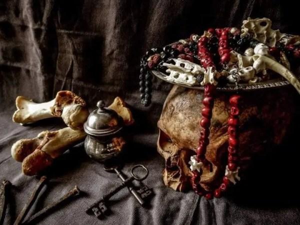 Lachrimae Mundi, una piccola bottega di oggettistica dallo stile unico realizzata da Camilla Pini!