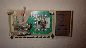 Thinking about buying a programmable thermostat  doing homework first  DoItYourself