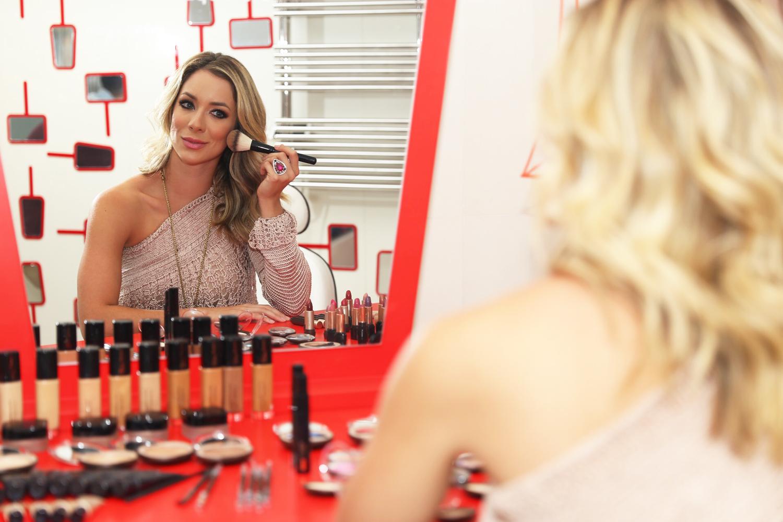 Maquiagem alegre usando Eudora! | Camila Coelho