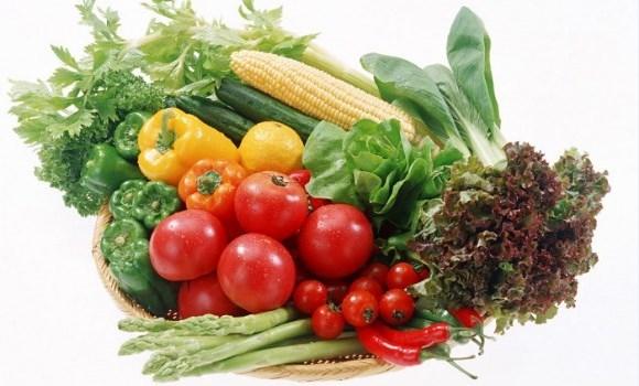 mengkonsumsi-sayuran