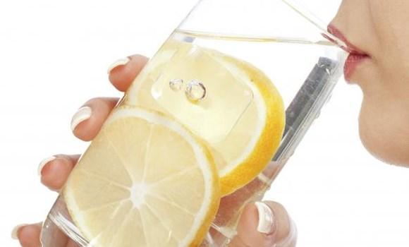 Minum air lemon dapat menjaga organ hati agar tetap dalam keadaan baik
