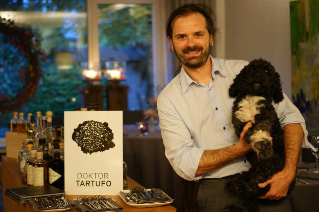 Dr. Mario Moscariello und Trüffelhund Ricciolo freuen sich auf das nächste Trüffelseminar