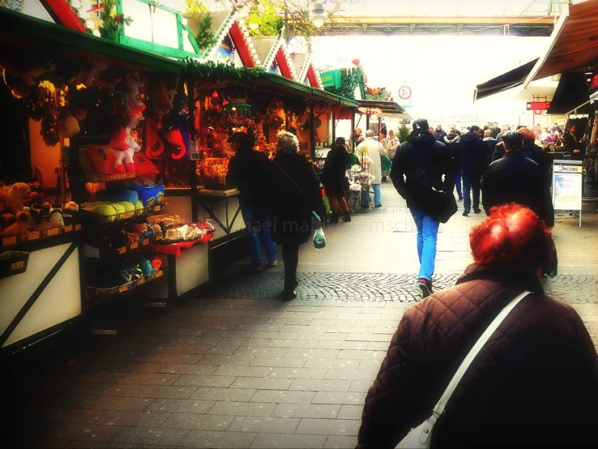 chewing gum on christmas market - Foto: Michael Mahlke