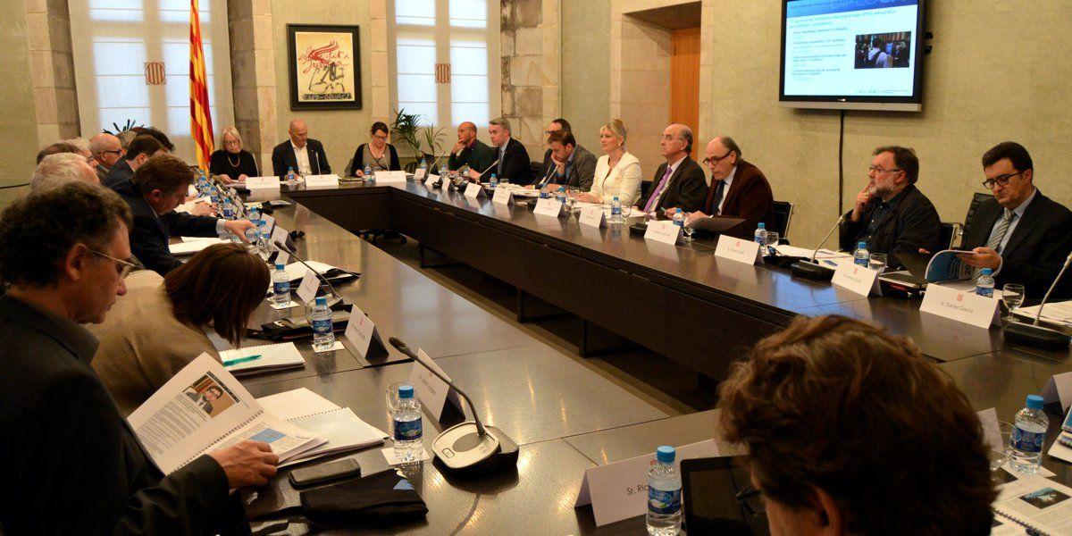 El ayuntamiento de Gerona gasta en muebles en 1 año el 80% de todo el Plan Renove de Extremadura