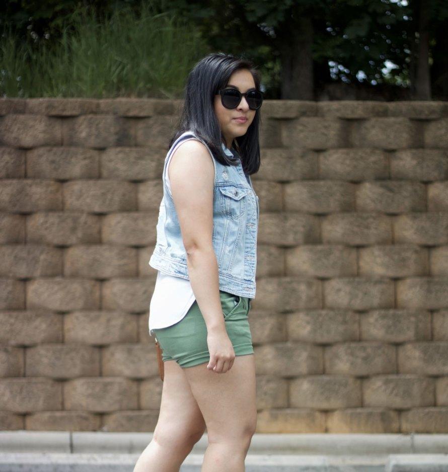 denim vest summer outfit