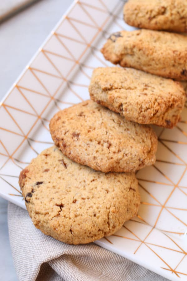 Biscotti con Farina di Chufa e Nocciole e Gocce di Cioccolato senza glutine