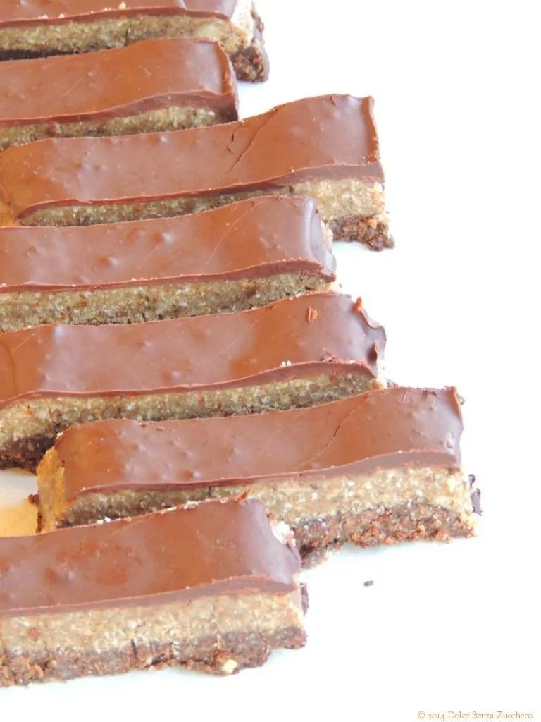 Cremino Barretta con Noci e Cioccolato (Ricetta Crudista e Vegan RAW) è una ricetta naturale e biologica senza glutine con indice glicemico basso.