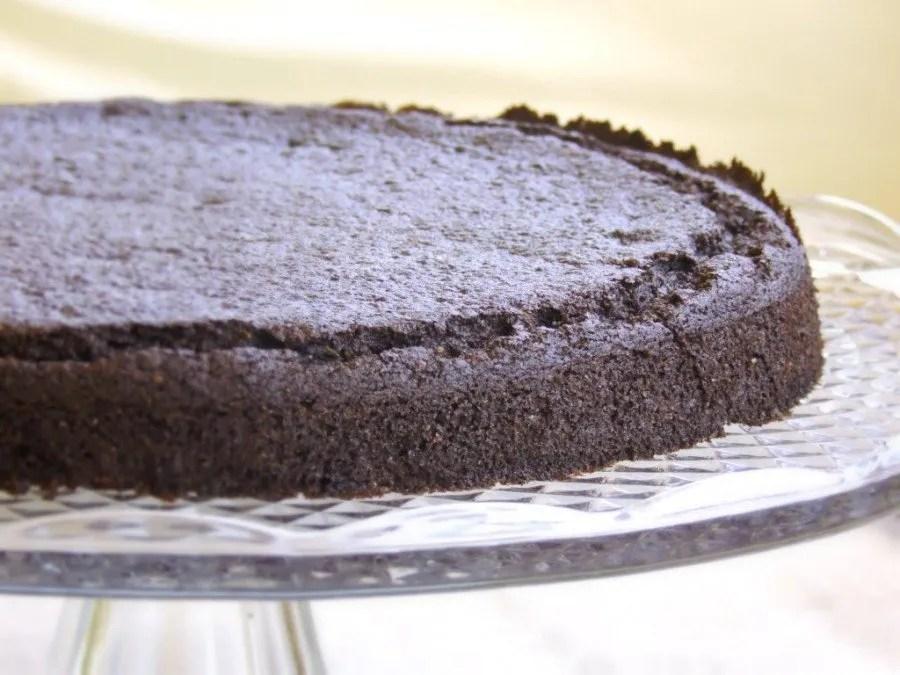 Torta con farina di carruba e cioccolato