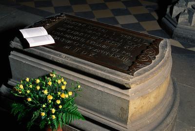Risultati immagini per tomba martin lutero