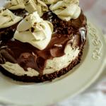 Torta al cacao con camy cream e ganache al cioccolato