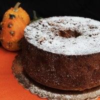 Chiffon cake alla zucca e alle nocciole