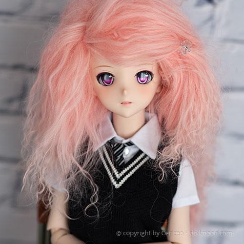 Beispiel einer Mohair Perücke für Dollfie Dream.