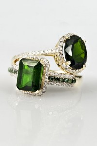 dark green rings
