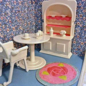 Dollhouses - Room Boxes