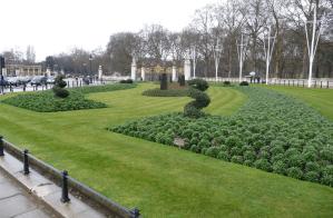 část parku před Buckinghamským palácem