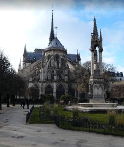 Notre Dame zezadu