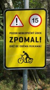 značky pro koloběžkáře i u silnice