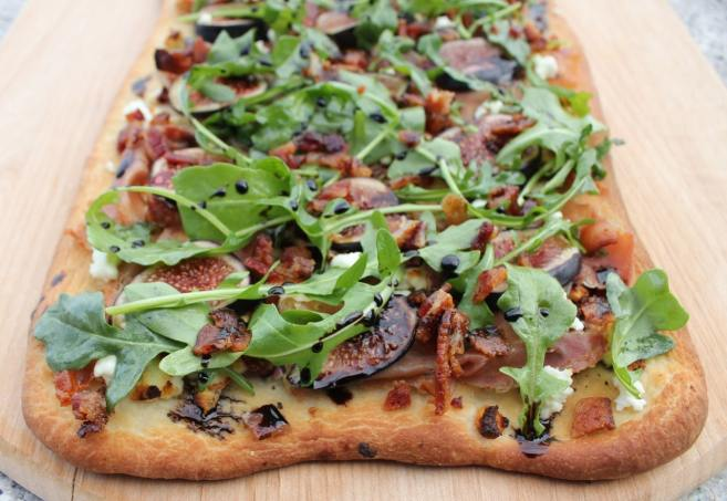flatbread-with-figs-prosciutto-and-goat-cheese-10