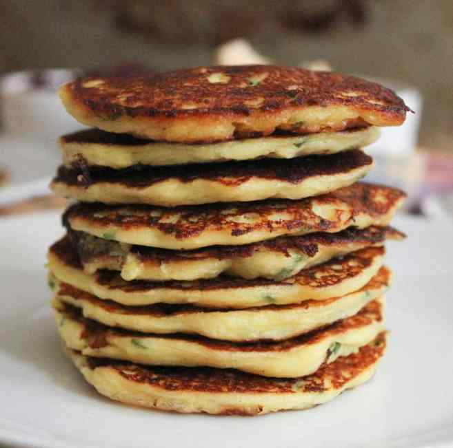 Mashed-potato-pancakes-with-goat-cheese-and-chives-6