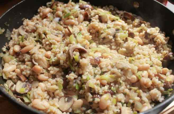 Mushroom-White-Bean-and-Brown-Rice-Casserole-With-Bacon-and-Gruyere-step-6