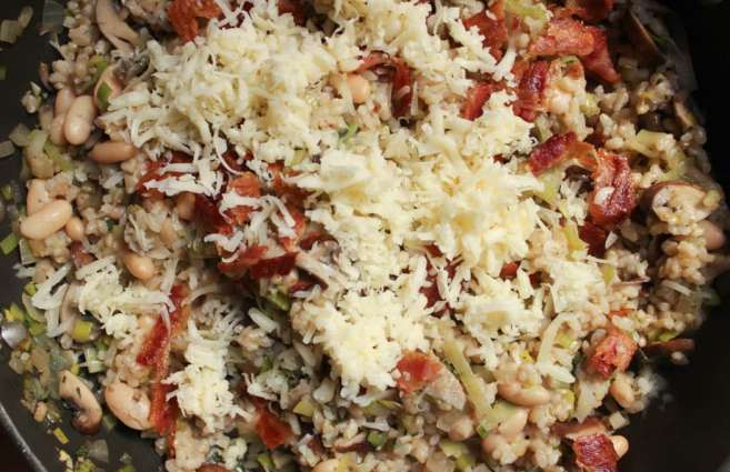 Mushroom-White-Bean-and-Brown-Rice-Casserole-With-Bacon-and-Gruyere-step-7