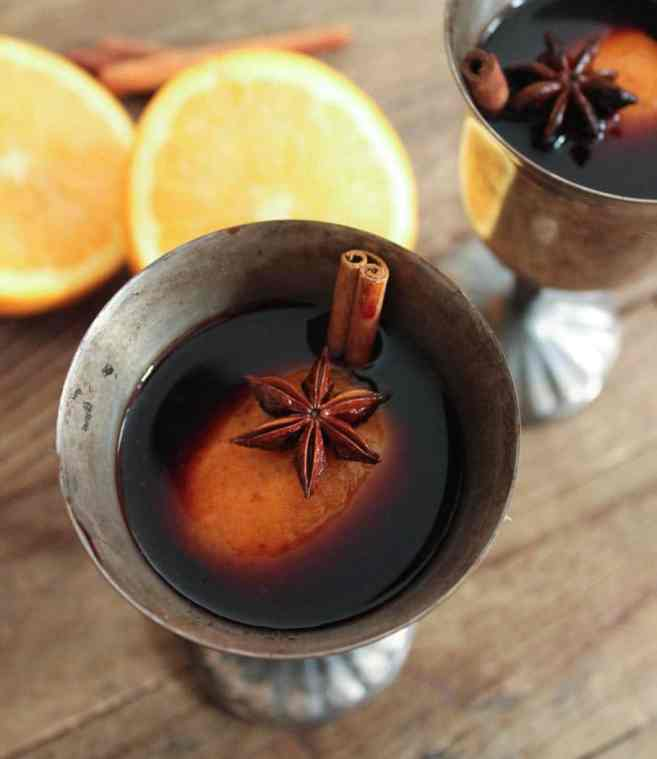 easy-mulled-wine-the-best-holiday-cocktail-3