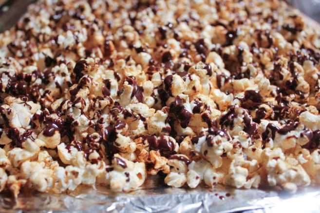 vegan-dark-chocolate-chipotle-stovetop-popcorn-step-9