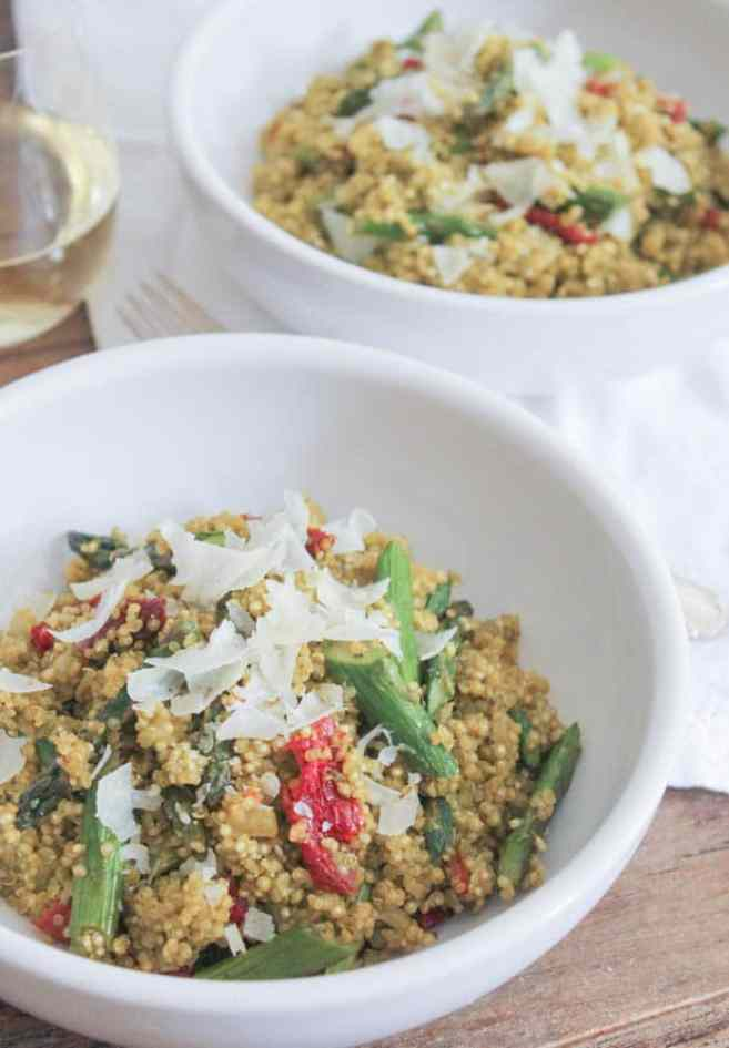 Quinoa-Risotto-with-Roasted-Asparagus-Sun-dried-Tomatoes-and-Herbs-3