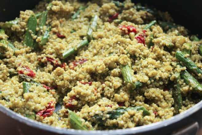 Quinoa-Risotto-with-Roasted-Asparagus-Sun-dried-Tomatoes-and-Herbs-step-9