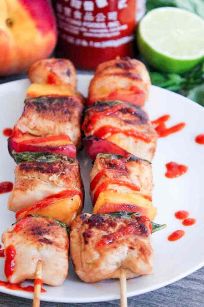 Sriracha-glazed-grilled-chicken-skewers-with-peaches-and-basil-4