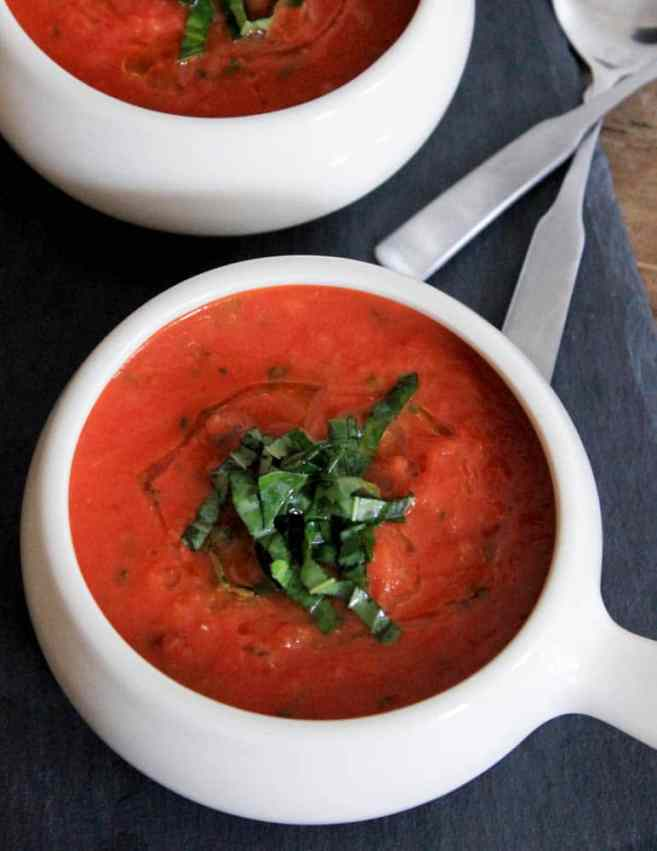 the-best-vegan-roasted-tomato-basil-soup-6