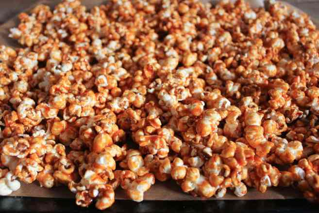 Sriracha-Caramel-Popcorn-step-6