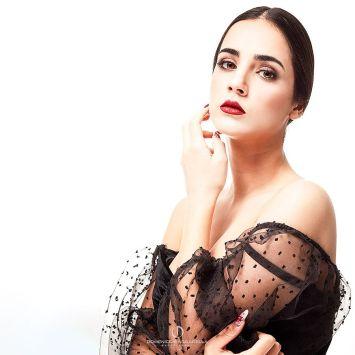 Sara-Glamour-2