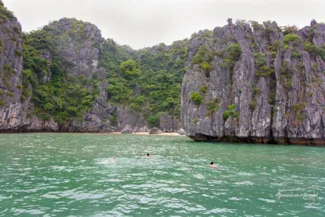 lan-ha-bay-swimming-to-the-beach