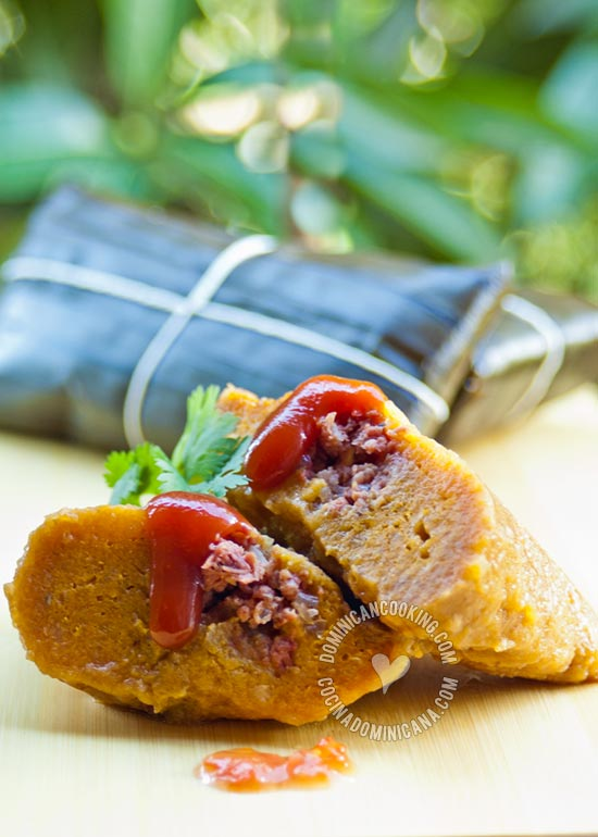 Pasteles en Hoja Recipe (Plantain and Beef Pockets): Few dishes are as cherished to Dominicans as this. It is an essential component of the Christmas and New Year's Eve dinner.