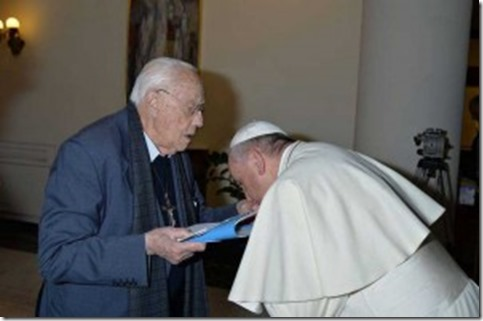 Speaking to the press, Francois bowed deeply to reverently kiss the hand of Michele De Paolis: priest and supporter of gay rights, after the pope concelebrated with him at home Santa Marta, in the Vatican.