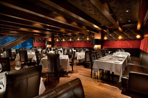 Dominick's Steakhouse dining room