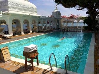 taj-palace_hotel-pool-udaipur