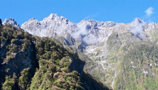 Milford-Sound-NewZealand-DomOnTheGo 77new