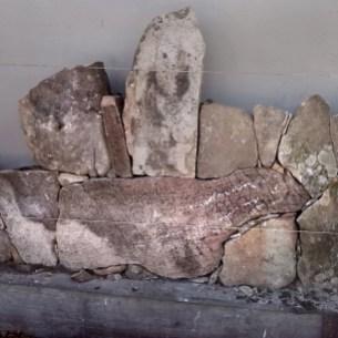 Rivestimento villa con pietre locali - Villa wall covering with local stones