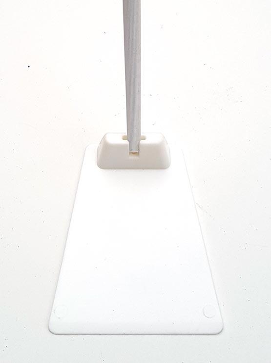 Peana para Carteles con Pincho de Acero vista frontal